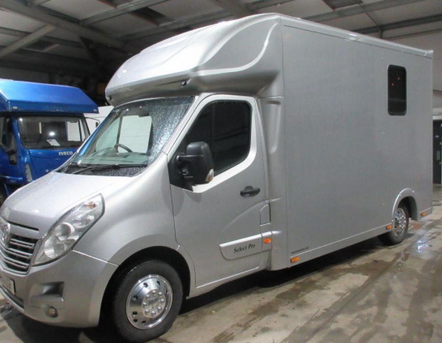 Ref 424 2016 Vauxhall Movano 3.5 ton Brand new Select Pro Build £26,850